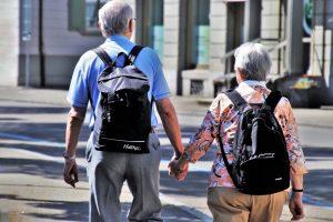 Ältere Menschen und Corona: Bundeszentrale für gesundheitliche Aufklärung gibt Tipps für den Alltag zu Hause